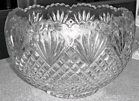 Where to find BOWL, GLASS PINEAPPLE  PUNCH  11 QT in Kingsport