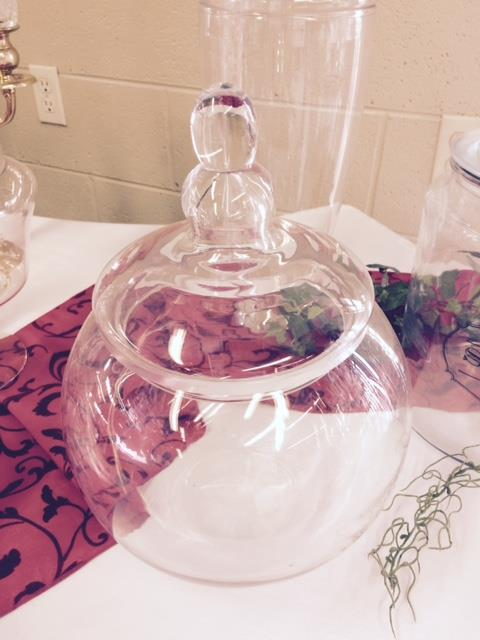 Where to find CANDY JAR  ROUND WITH LID  GLASS in Kingsport