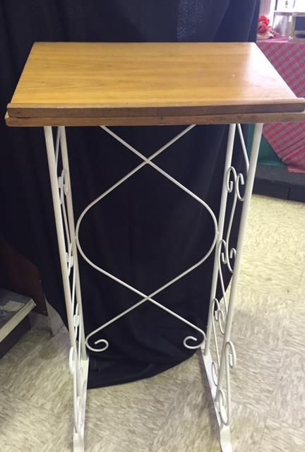 Where to find STAND, GUESTBOOK  ALUMINUM  WOOD in Kingsport